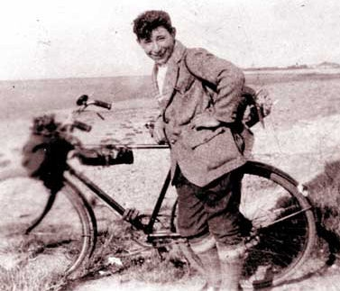 Benny Rothman : A young man and his bicycle